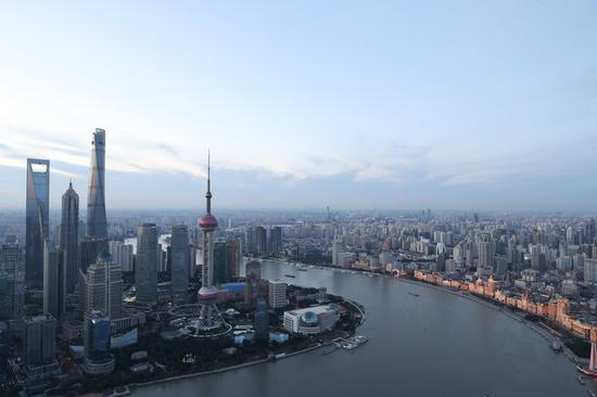 Shanghai to play top-class role as int'l financial center